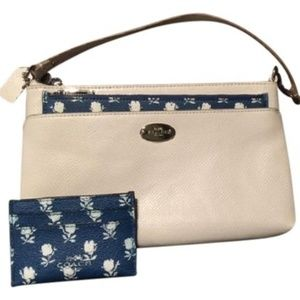Print White and Blue Coated Canvas Wristlet